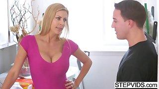 Stunning stepmom Alexis Fawx gets drilled