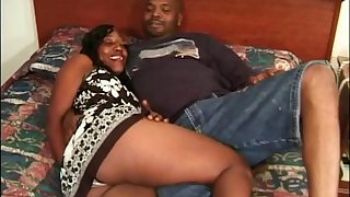 Black amateur couple has hardcore coition in their judicature