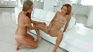 Shocking squirting together with fisting for beautiful Kinuski together with Veronica Leal