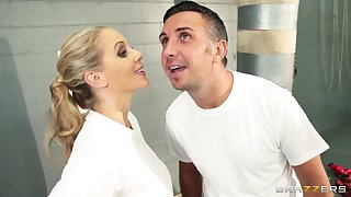 Cum on face ending after fucking in the locker room with Julia Ann