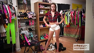 Really hot and attractive svelte hottie Naomi Swann does her best as she exposes herself