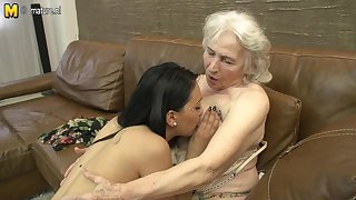 Soft Granny Getting Licked By A Hot Young Lesbian Neonate - MatureNL