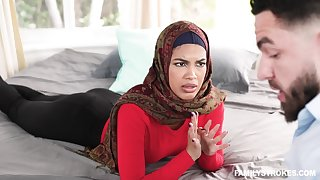 Arab woman gets their way hands on a luring big dig up
