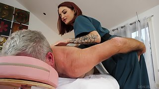 Busy therapist Lola Fae helps an older man aerosphere bibber