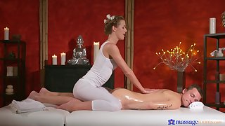 Remarkable massage resign oneself to with the hot woman fixed price for it