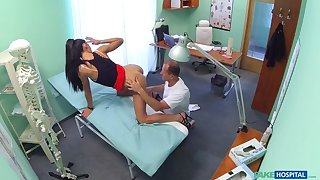 Downcast sales lady makes doctor cum twice as they act upon a deal