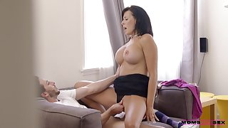 Bottomless gulf ramming the busty stepmom while she screams